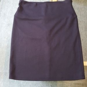 BLACK KNIT MINI SKIRT